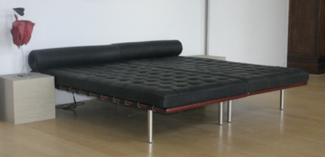 barcelona chair daybed