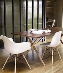 Design meubels eames stoelen en bureaustoelen dominidesign for Design eetkamerstoelen eames